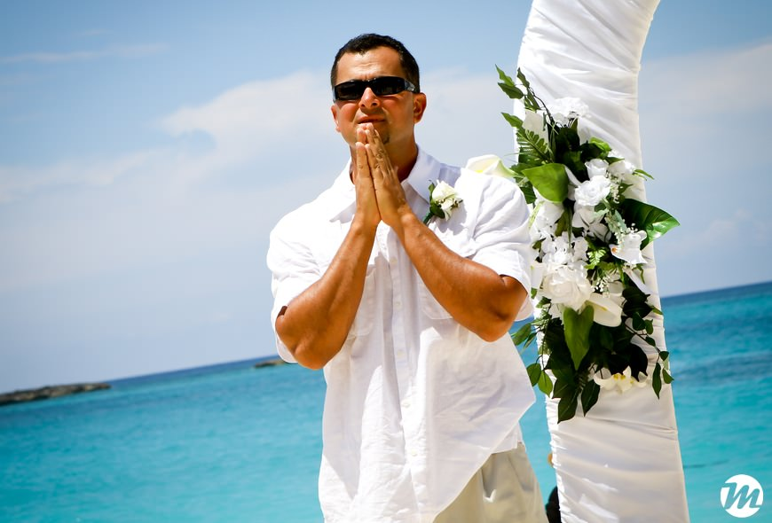 08-RIU-Palace-Paradise-Island-Wedding - Bahamas Wedding Photographer