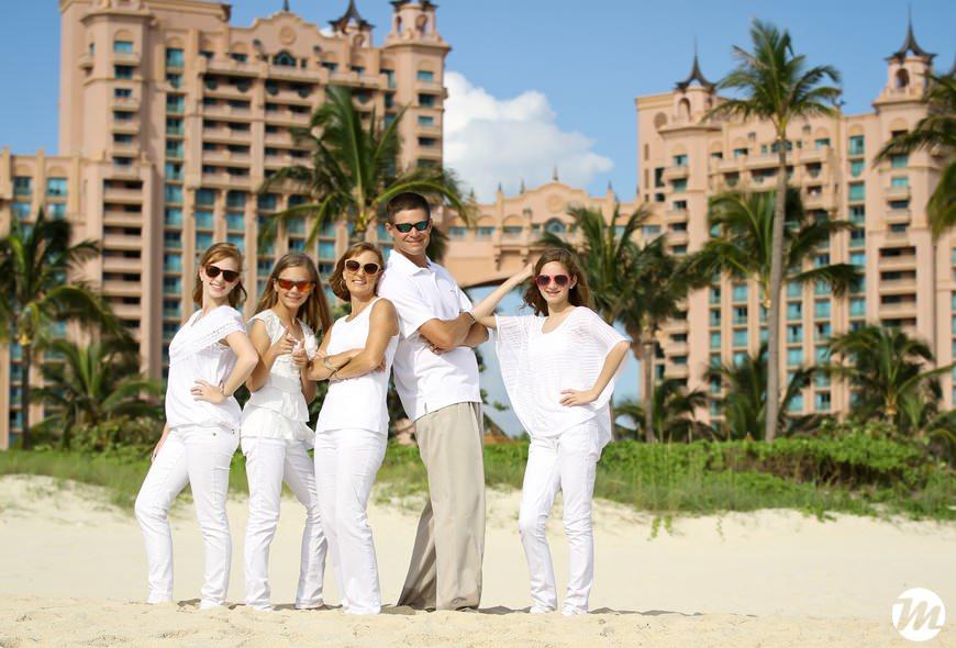 10 atlantis family photos1 bahamas wedding photographer mario