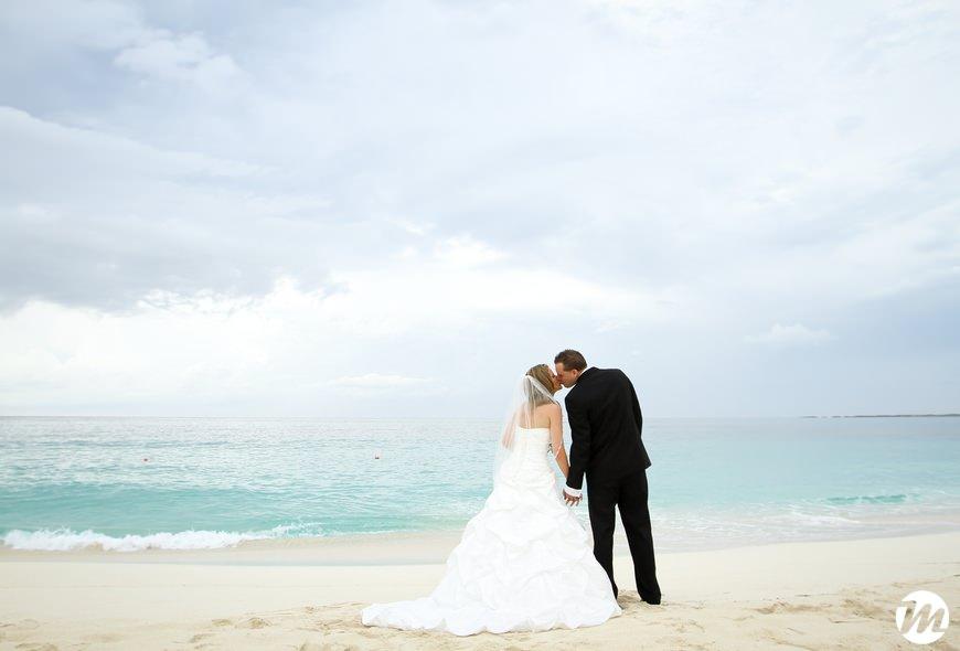 6eb2d766070f 14-RIU-Palace-Paradise-Island-Wedding11 - Bahamas Wedding ...